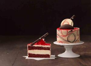 Red Velvet  Mousse Cake-1